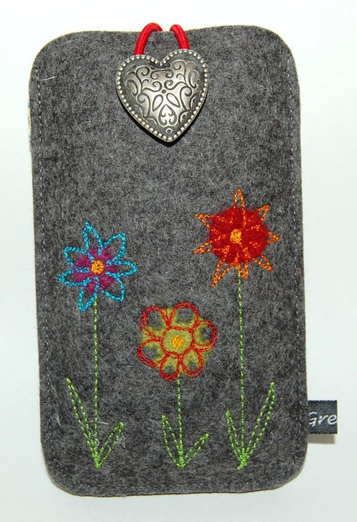 gemalte Blumenwiese Smartphone Tasche